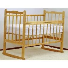 Кроватка с поднимаемым дном. Светлый лак